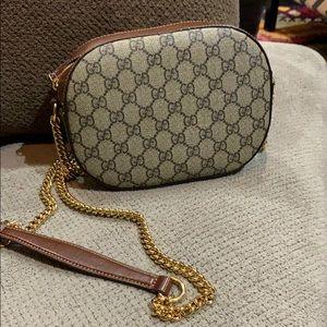 Gucci crossbody chain bag
